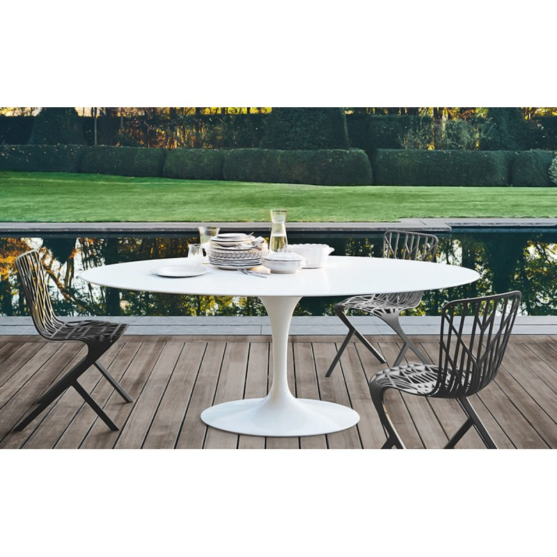 Saarinen tulipe table knoll saarinen tulip table for Table haute ovale